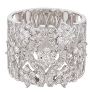 18K 750 White Gold Diamond Flower Design Cocktail Band Ring