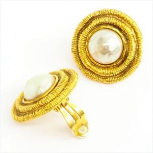 Chanel Gold Tone Metal Baroque Pearl Earrings Clip