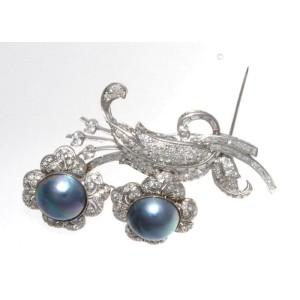 Platinum 3.50 Ct Diamond Pearl Flower Brooch