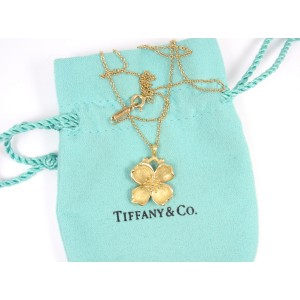 Tiffany & Co. 18K Yellow Gold Dogwood Flower Pendant Chain Necklace
