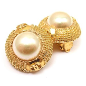 Chanel Gold Tone Metal with Pearl Clip on Earrings