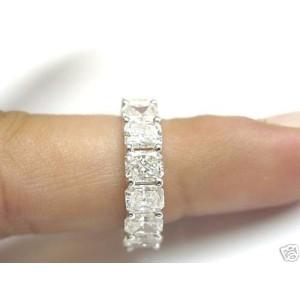 18K White Gold Diamond Eternity Band Ring