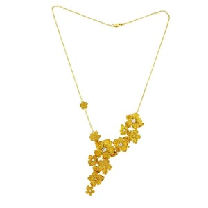Carrera y Carrera 18K Yellow Gold with 0.35ct Diamond Emperatriz Maxi Flower Necklace
