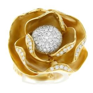 18K Yellow Gold Diamond Center Ball Split Shank Ring