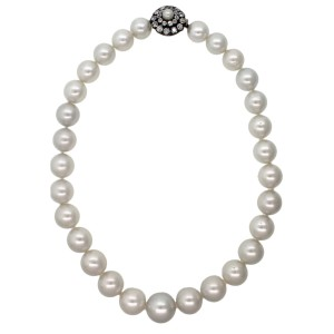 18K Yellow and White Gold 3.08 Ct Diamond Cluster Cultured Saltwater Pearl 1920s Necklace