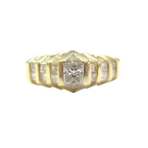 18KT Multi Shape Diamond Solitaire W Accents Anniversary Jewelry Ring