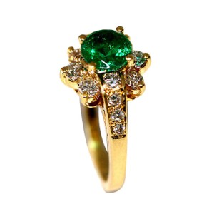 18K Yellow Gold Emerald Diamond Cocktail Ring