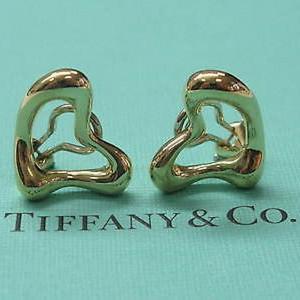 Tiffany & Co Elsa Peretti 18Kt Heart Huggie Earrings 17mm