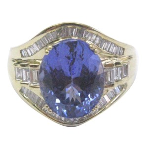 18K Yellow Gold Tanzanite & Diamond Ring