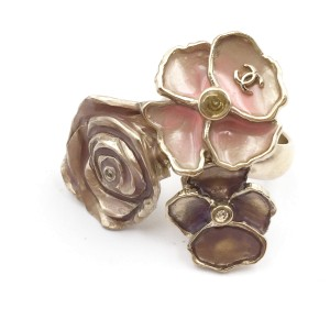 Chanel Gold-Tone Pink Pastel 3-Flower Ring Size 5.75