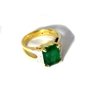 14K Yellow Gold 4.00 Emerald & 0.24ct Diamond Ring Size 6.5