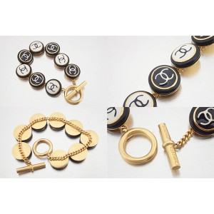 Chanel Gold Tone Black and White Enamel Vintage Chain Bracelet