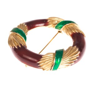 Ciner Enamel Wreath Pin