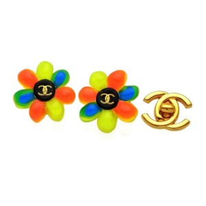 Chanel CC Logo Gold Tone Metal Pop Flower Earrings