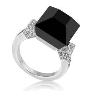 Gucci Chiodo 18K White Gold Onyx & Diamond Cocktail Ring