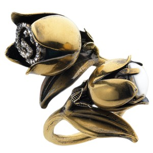 Gucci Gold Metal Flora Flower Crystal GG Pearl Ring