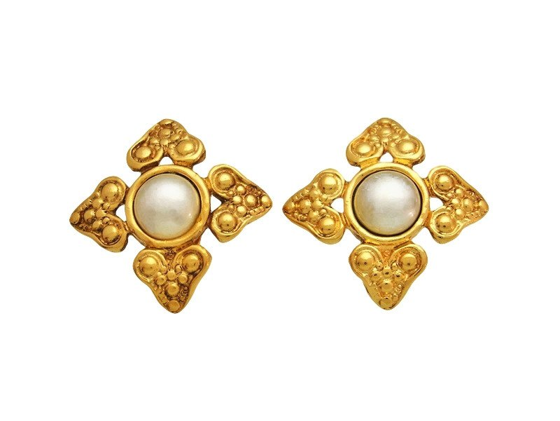 "Image of ""Chanel CC Logo Gold Tone Metal Pearl Flower Earrings"""