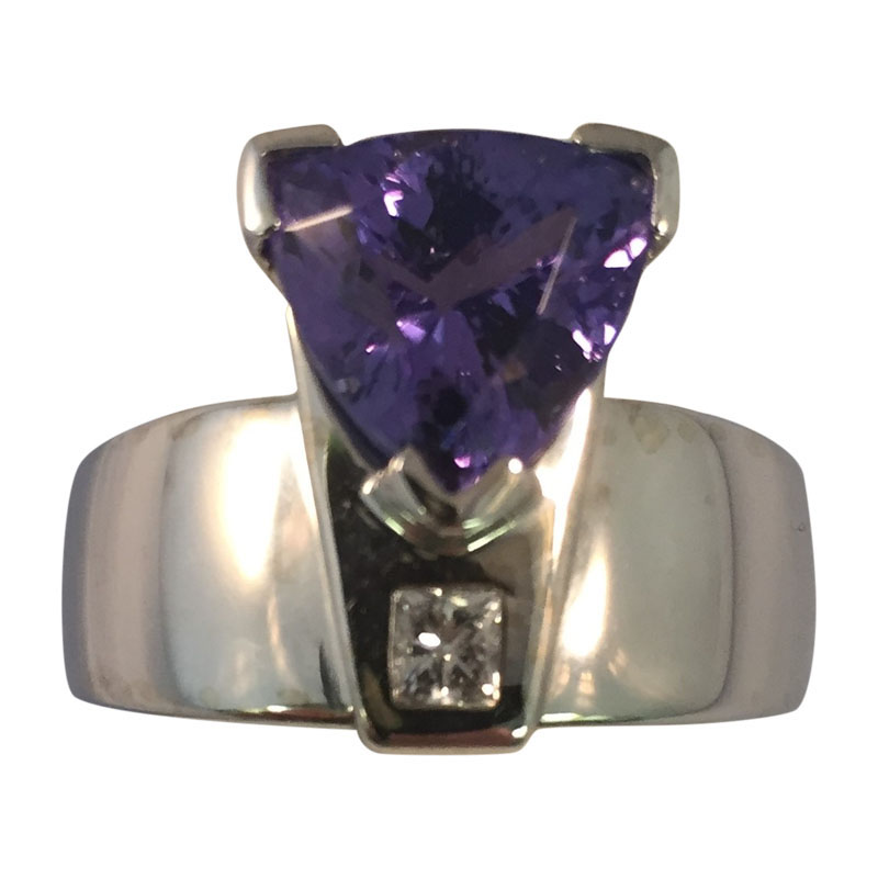 "Image of ""18K Custom made Tanzanite And Diamond Ring"""