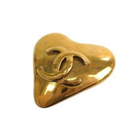 Chanel Coco Gold Tone Hardware Heart Brooch