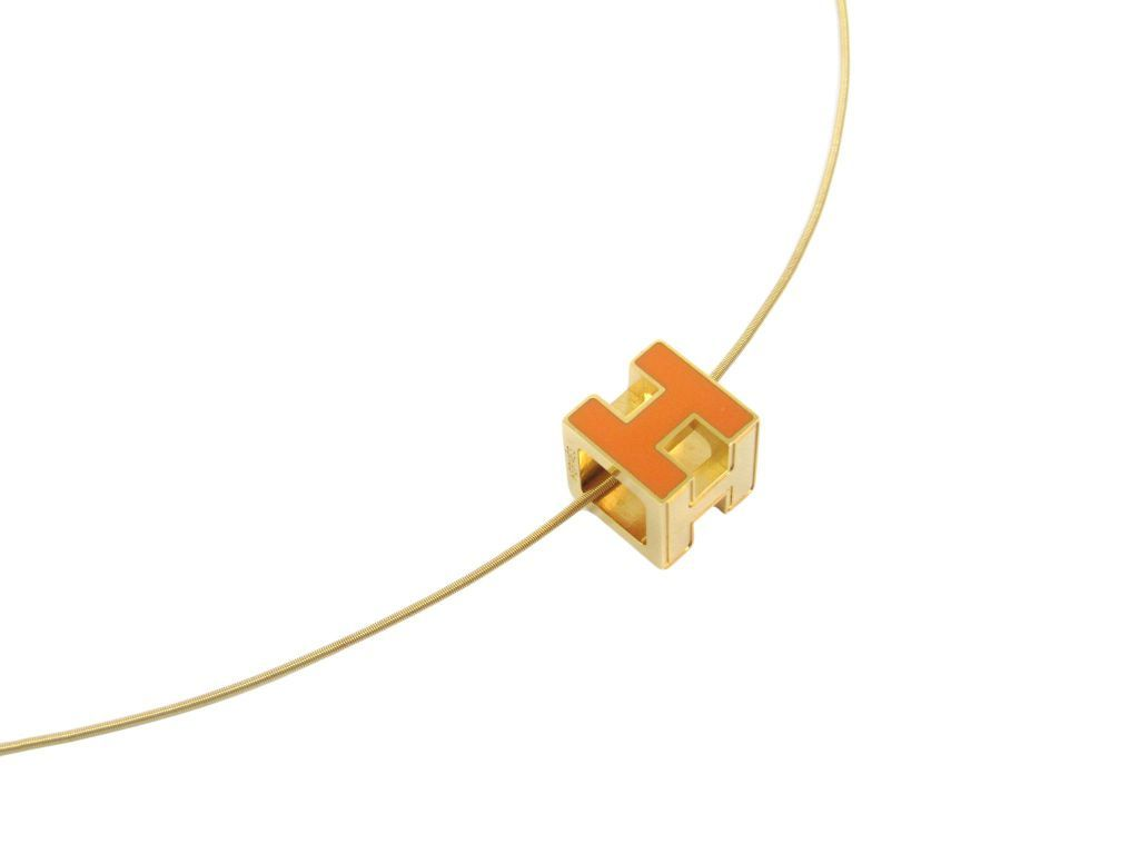 """Image of """"Hermes Cage Gold Tone Metal Enamel Casual Necklace"""""""