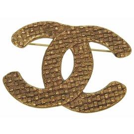 Chanel Gold Tone Hardware Vintage Brooch