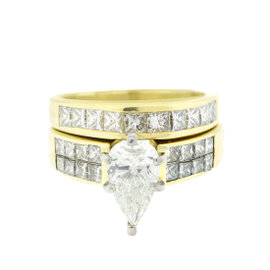 18k Yellow Gold Diamond Engagement Ring and Wedding Band Set