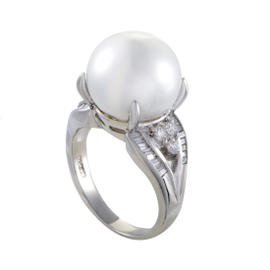 Platinum Diamond and Pearl Ring Size 8.25
