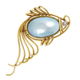 18K Yellow Gold Diamond and Mabe Pearl Fish Brooch