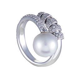 Mikimoto 18K White Gold Diamond and Pearl Ring Size 7.25