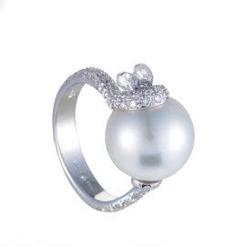 Mikimoto 18K White Gold Diamond and Pearl Ring Size 7.0