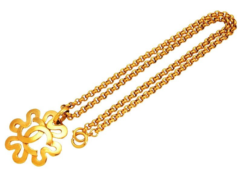 """Image of """"Chanel CC Logo Gold Tone Metal Flower Necklace"""""""