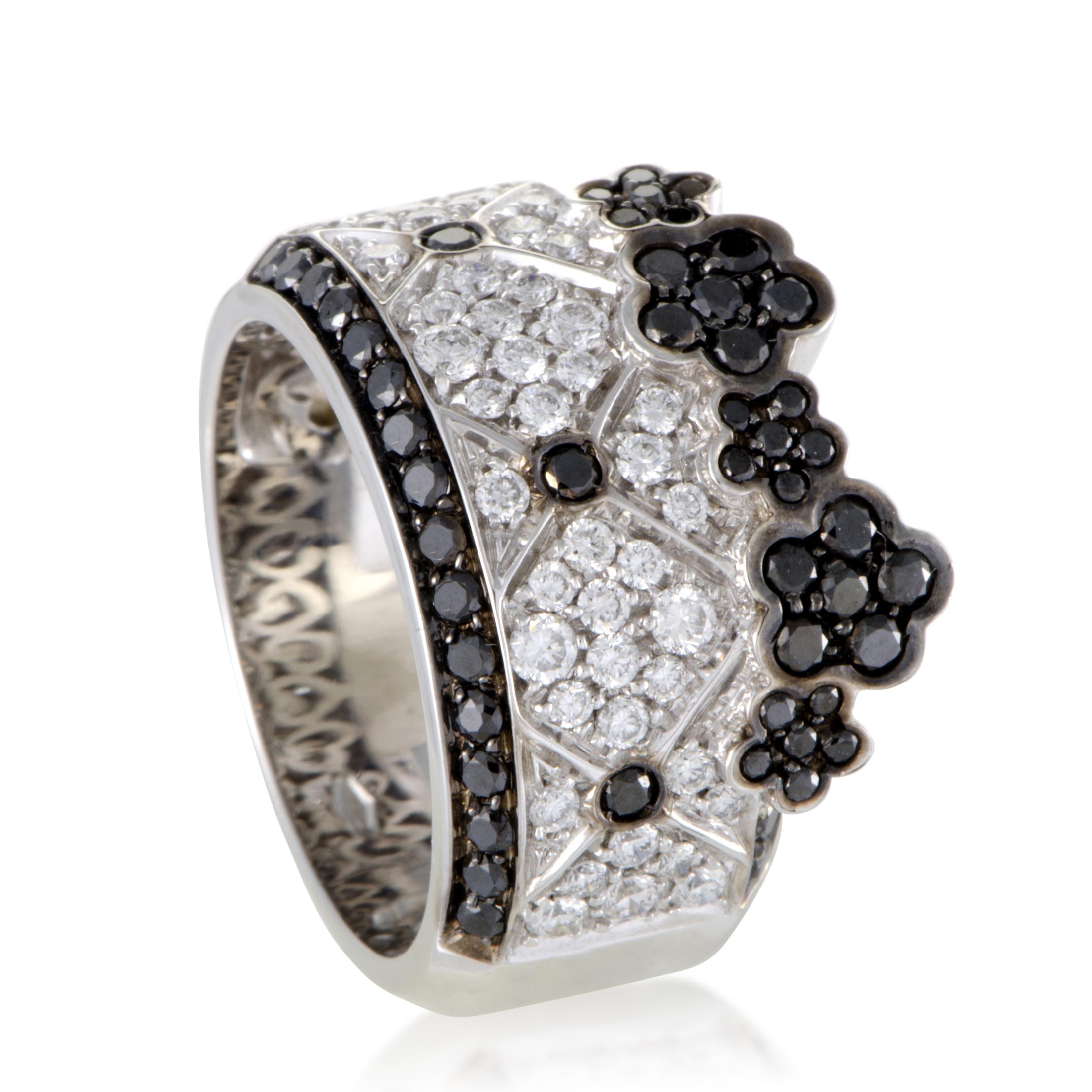 """""Pasquale Bruni Lulu 18K White Gold Black and White Diamond Band Ring"""""" 1366590"