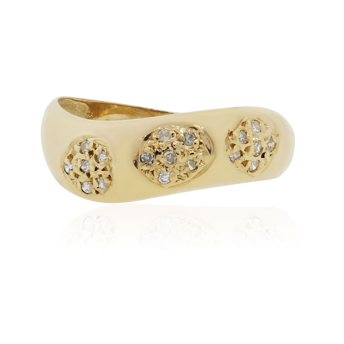 "Image of ""18K Yellow Gold with 0.25ct Diamond Curved Band Ring Size 7"""