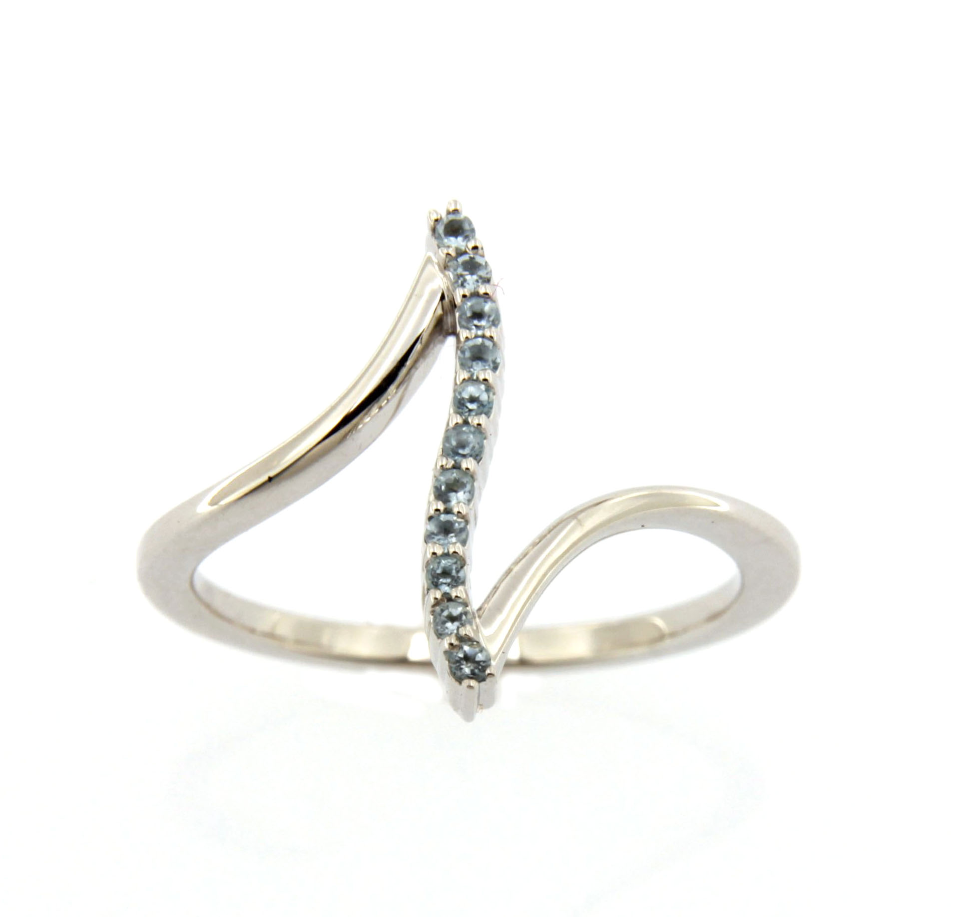 "Image of ""10k White Gold Blue Topaz Bar Ring Size 7"""