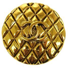 Chanel CC Logos Gold Tone Brooch Pin S00280e